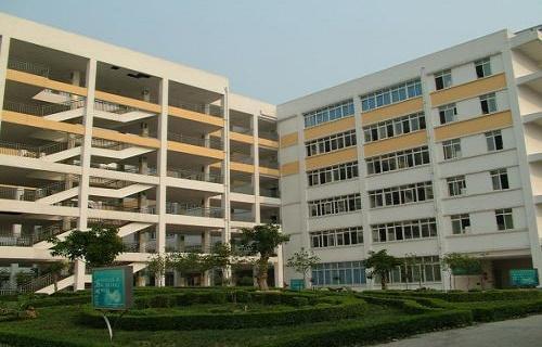 中牟县第一职业高中